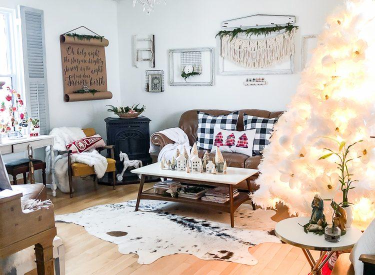 christmas-living-room-full-shot-2018