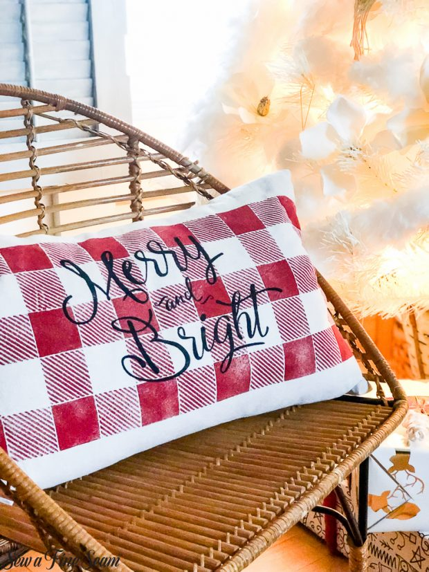 christmas-merry-bright-pillow-2018