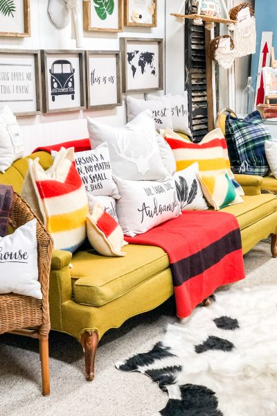 couch-full-of-pillows-shop-display