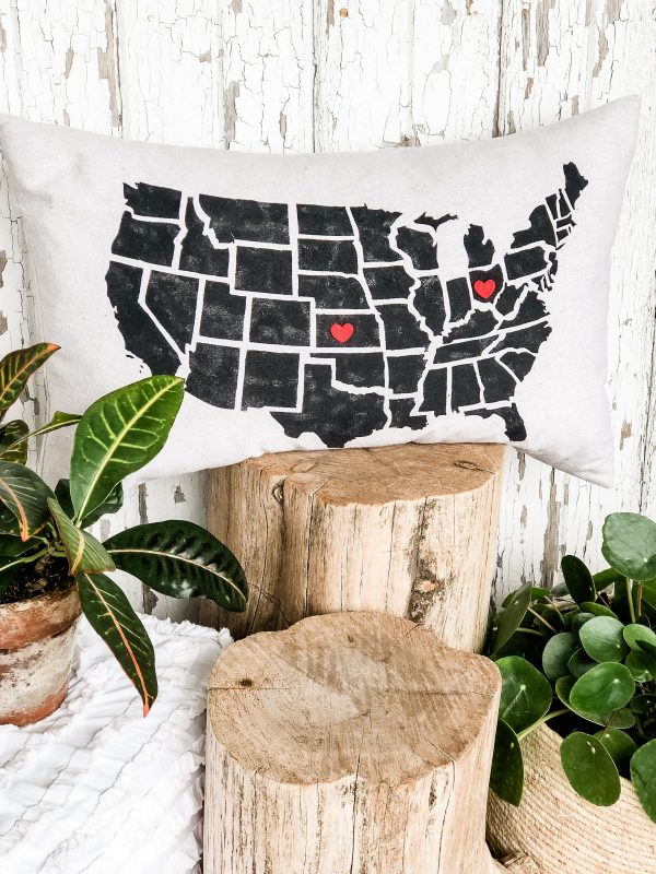 united-states-red-heart-pillow